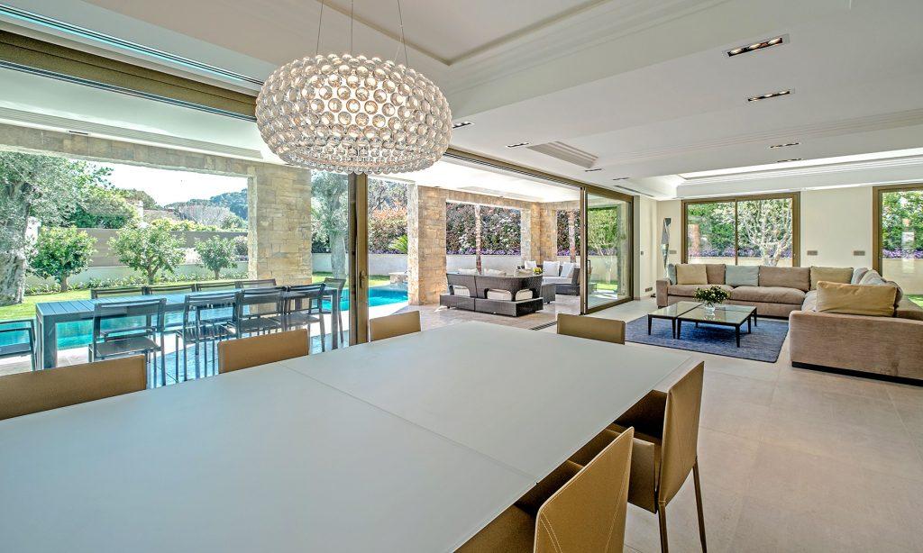 Modern Cap Ferrat Villa For Rent